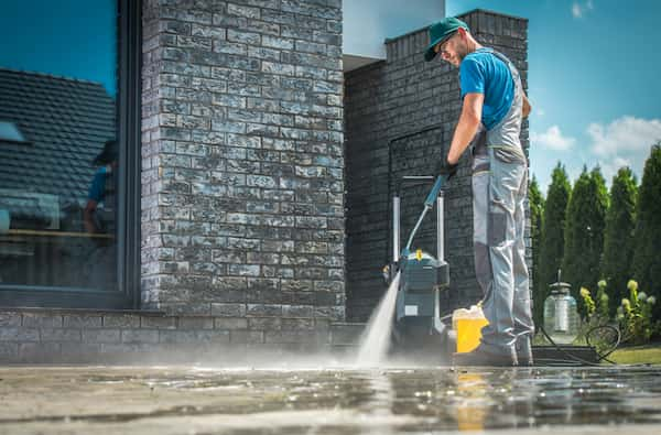 gas-vs-electric pressure washer
